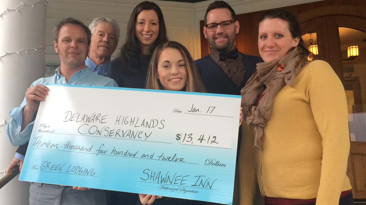 Shawnee Inn Guests Donate to Protect Land